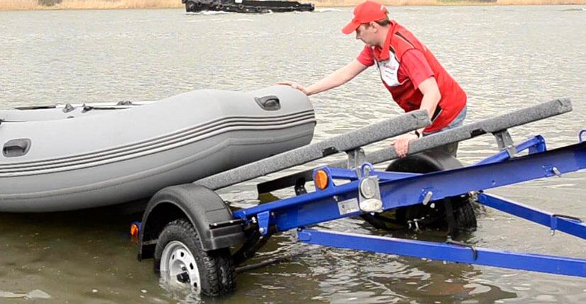 Прицеп для лодки: советы по выбору и обзор моделей