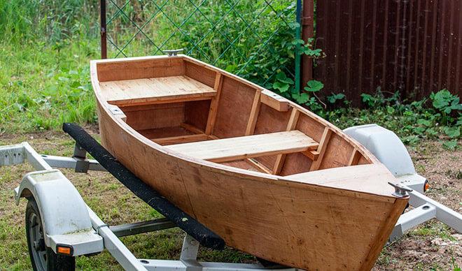 Лодка из дерева