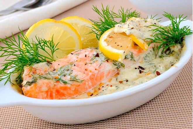 Как приготовить рыбу в сметанном соусе