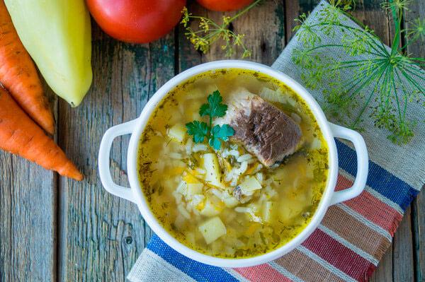 Рыбный суп из консервы скумбрии